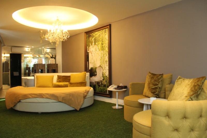 Room suite four seasons halat for Garden room 4 seasons